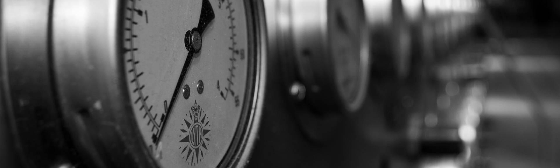Lyth pressure gauges row